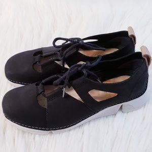 Clarks Tri sense black leather nubuck shoes sz 7